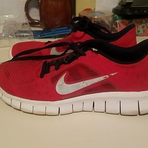 Nike Free Run 3 Red size 5y athletic sneakers